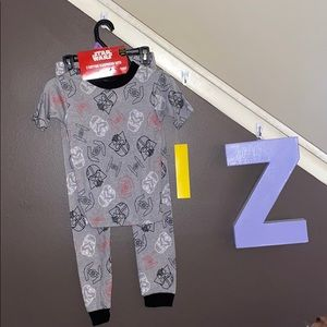 BOGO💙💙 Size 8 Star Wars pajama set